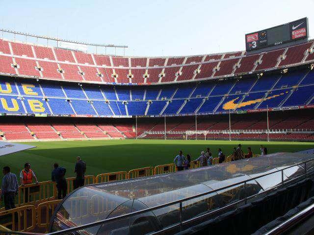 Barcelona z meczem na Camp Nou
