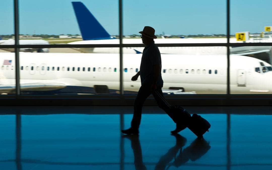 Bagaż w samolocie – podróż z przesiadkami