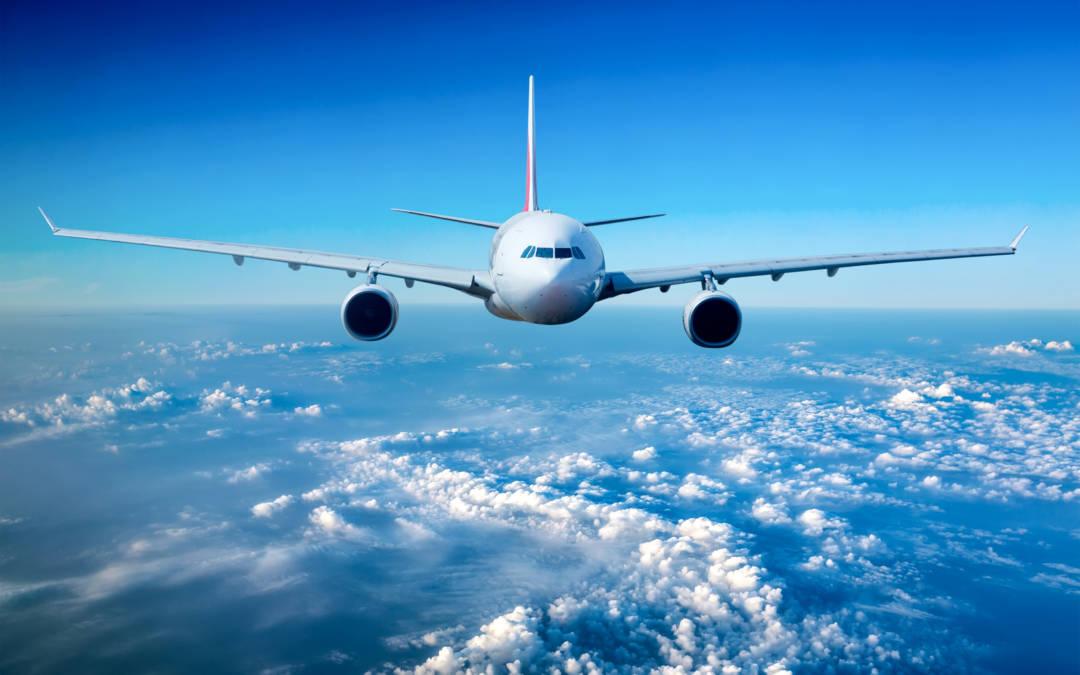 Podróże służbowe taniej i wygodniej. Tak działają lotnicze programy lojalnościowe