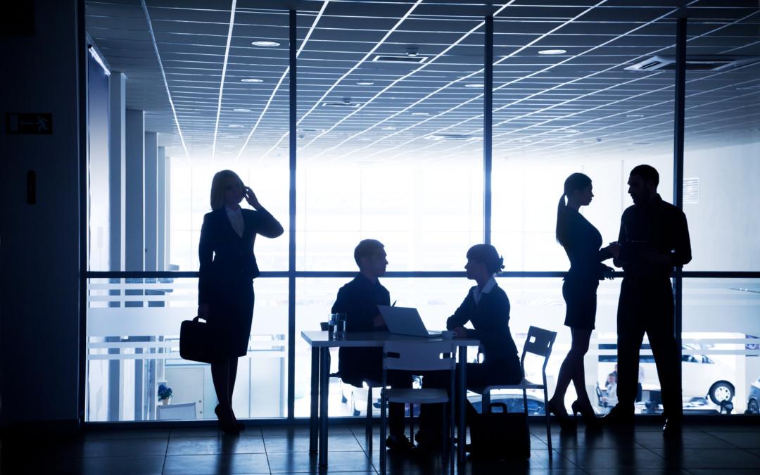 Organizacja i zarządzanie podróżami służbowymi – raport firmy Amadeus