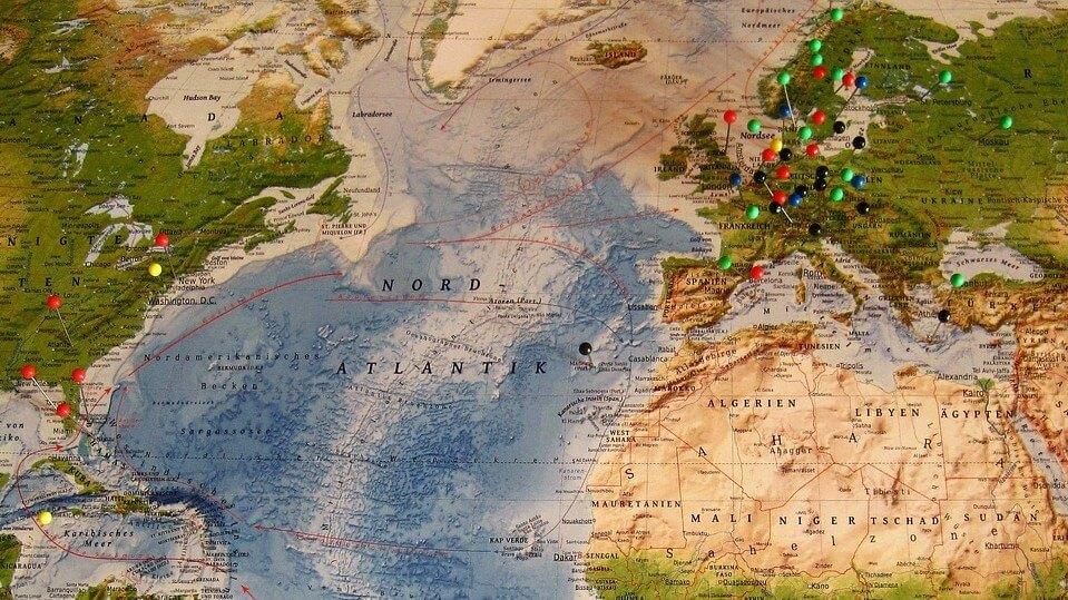 Świąteczne wyjazdy Polaków. Narty, palmy i zwiedzanie